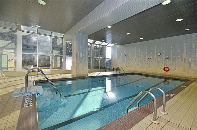 110 Bloor St West Toronto Indoor Pool Yorkville Annex Condos