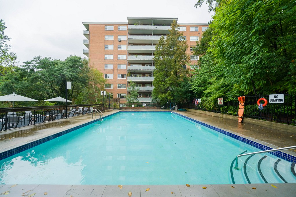 21 Dale Avenue Toronto Condos Rosedale Co-ops Outdoor Pool