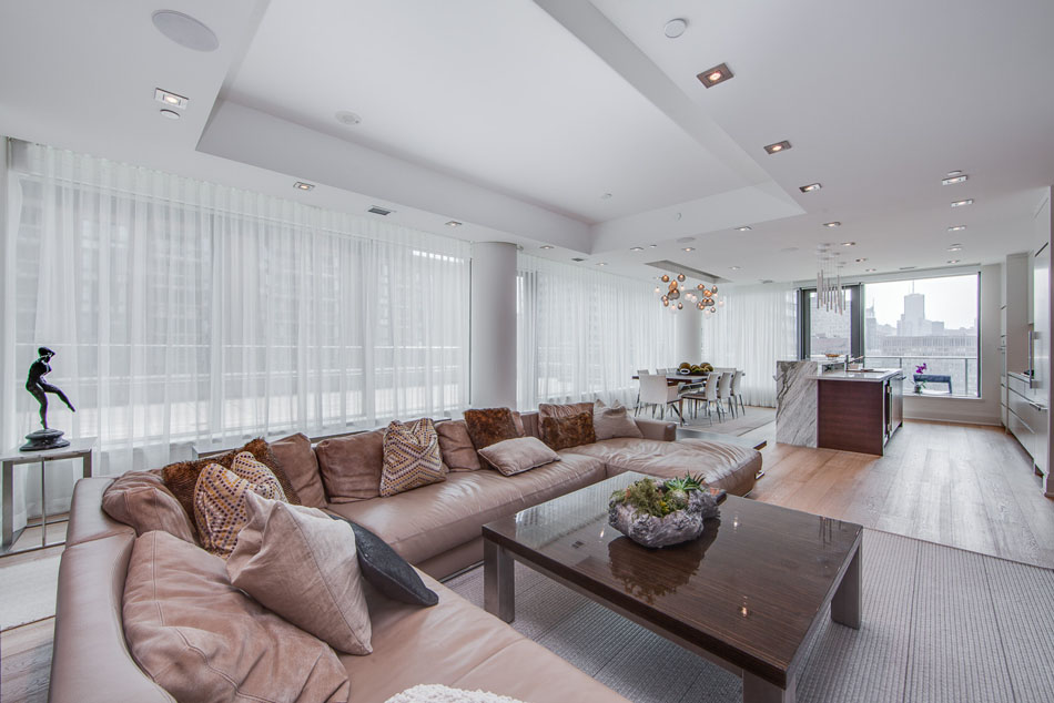 77 Charles St West Unit 1402 Living Room Yorkville Luxury Condos Toronto For Sale