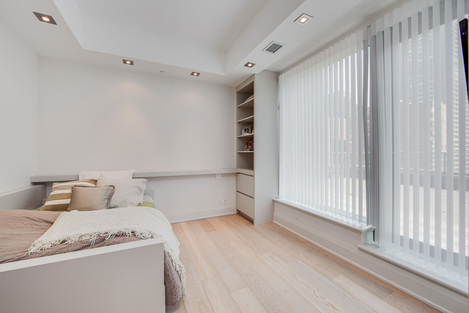 77 Charles St West Yorkville Toronto Condos Unit 1402 Second Bedroom