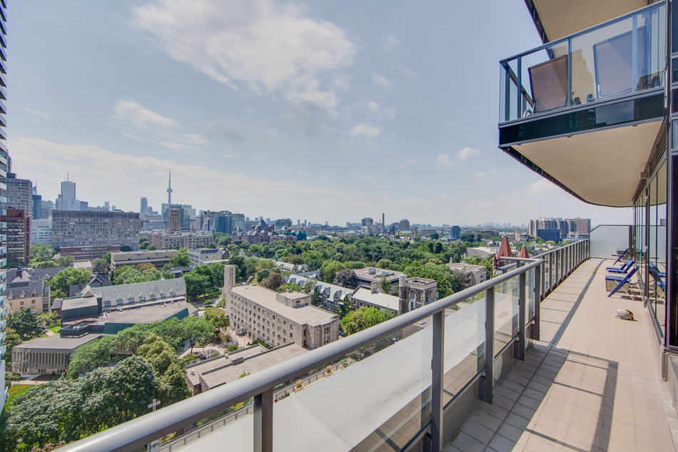 77 Charles St West Yorkville Toronto Luxury Condos South View Overlooking skyline
