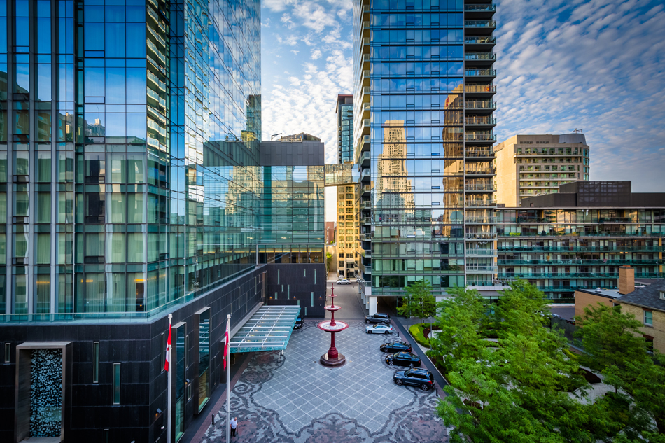 Four Seasons Hotel & Private Residences Yorkville Toronto Condos Victoria Boscariol Chestnut Park Real Estate